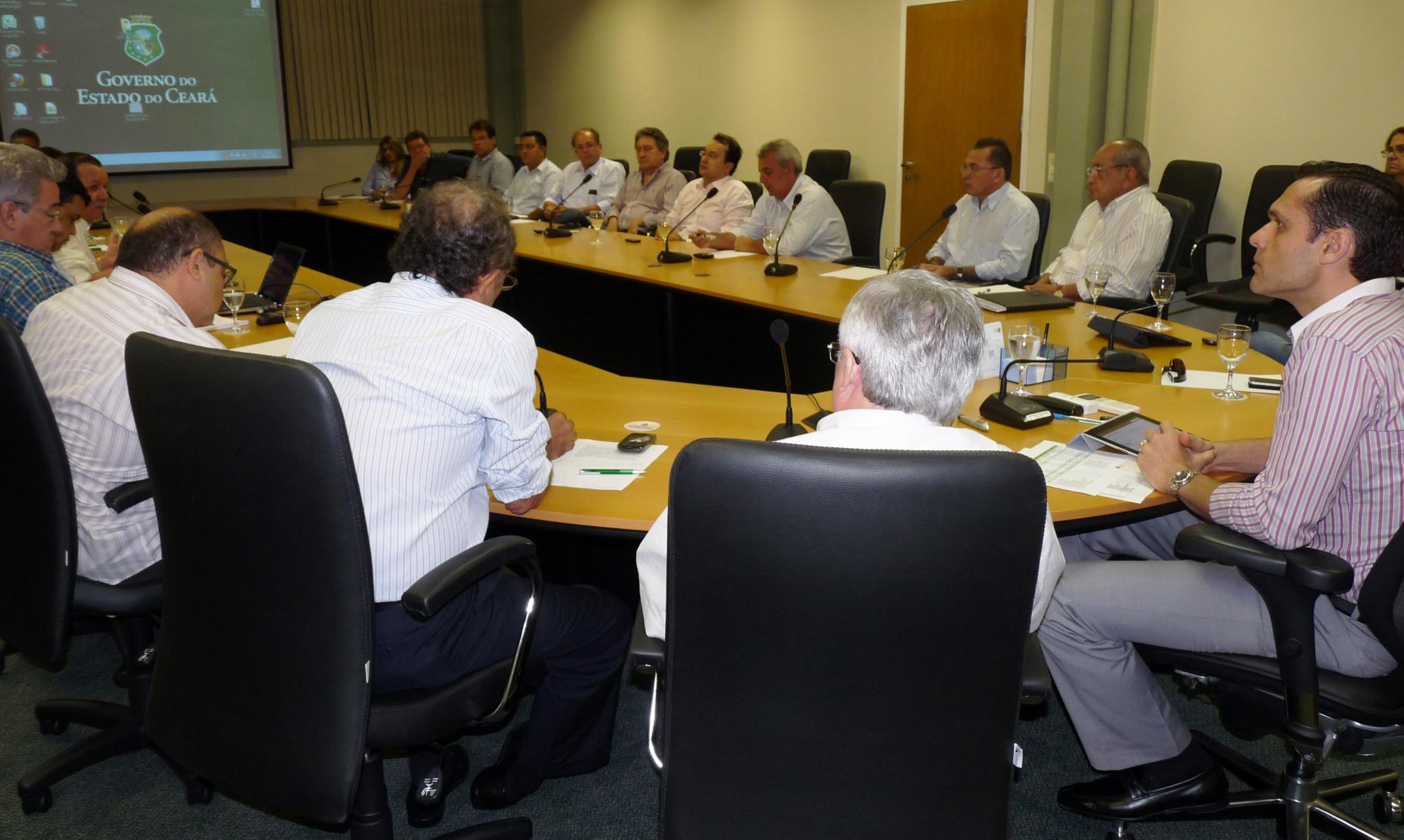 09-04-2012 - Reunião Grupo Infraestrutura e Logística ( João Teixeira e Edson Brok ) - Sala de Reunião (86)