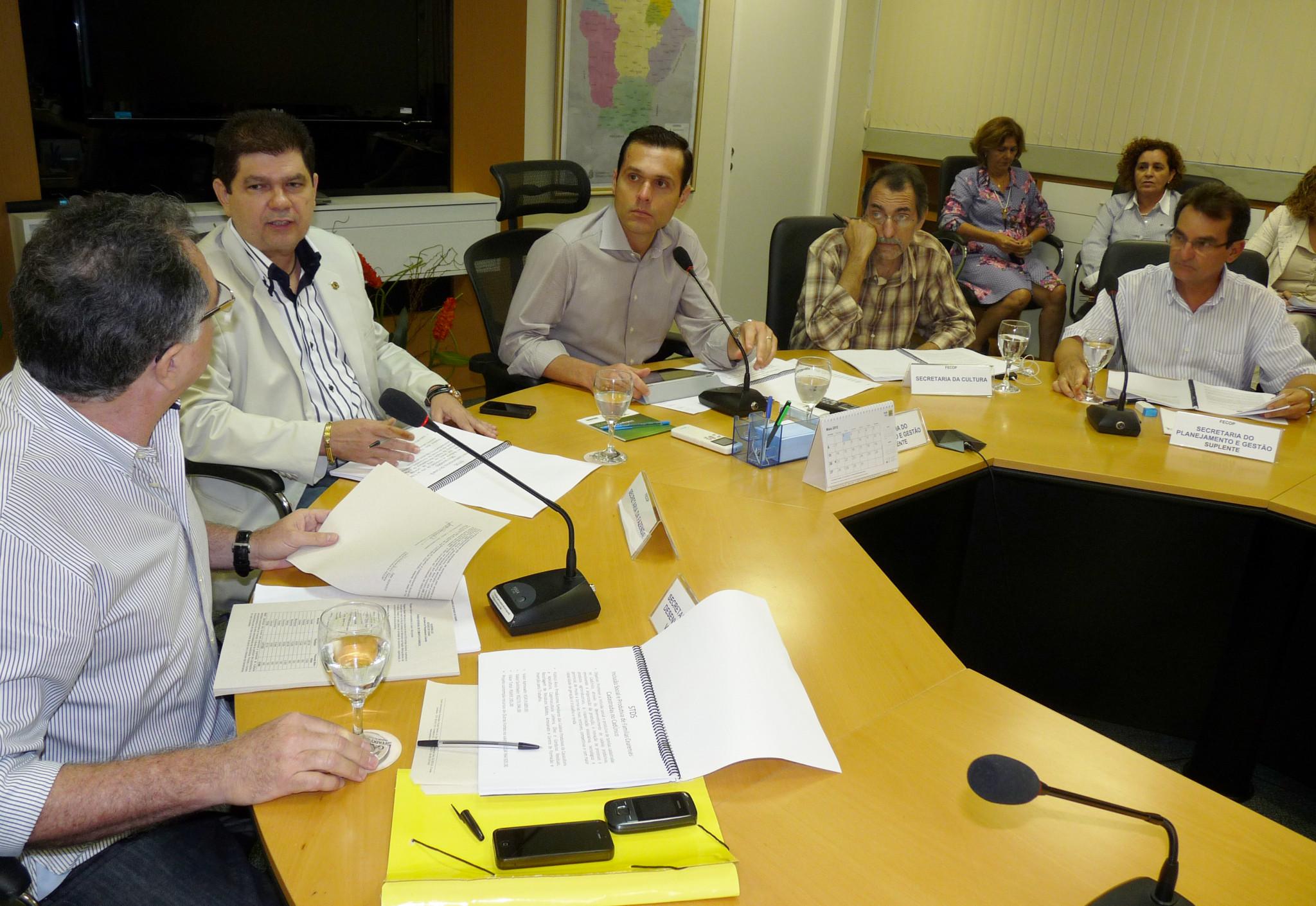 12-04-2012 - Reunião FECOP - Sala de Reunião (6)