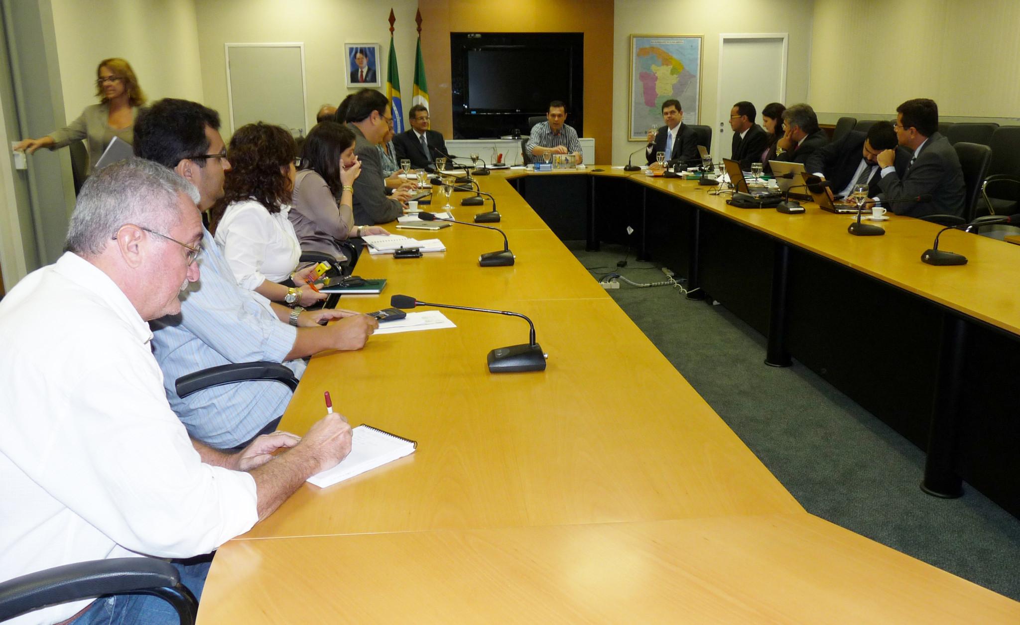 13-06-2012 - Reunião Defensores Públicos - Sala de Reunião Seplag (1)