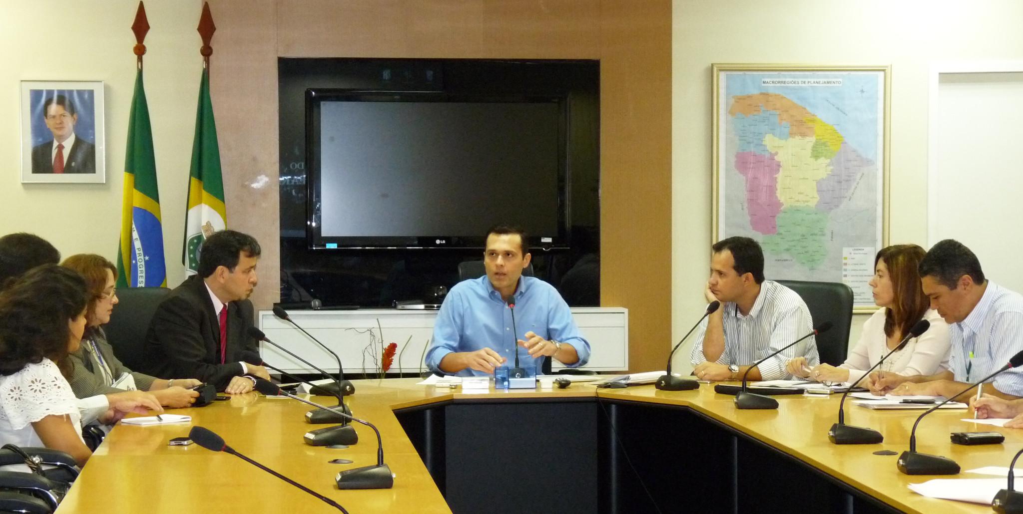 Reunião com Gestores do Banco do Brasil e BNDES - Sala de Reunião Seplag (3)