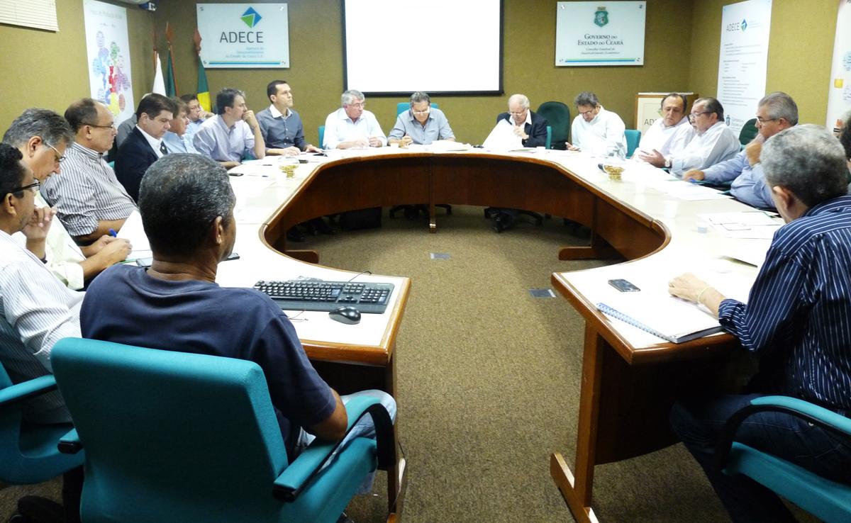 Secretário apresenta PPA em reunião do Cede