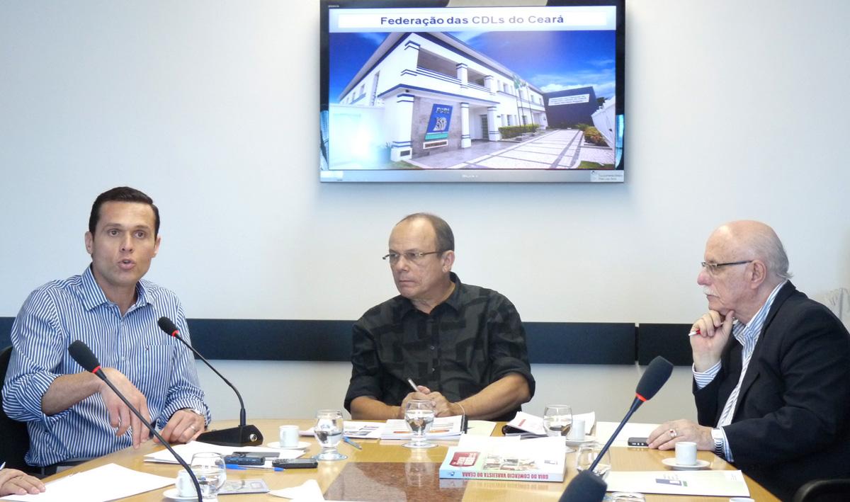 Secretário participa de encontro com dirigentes lojistas