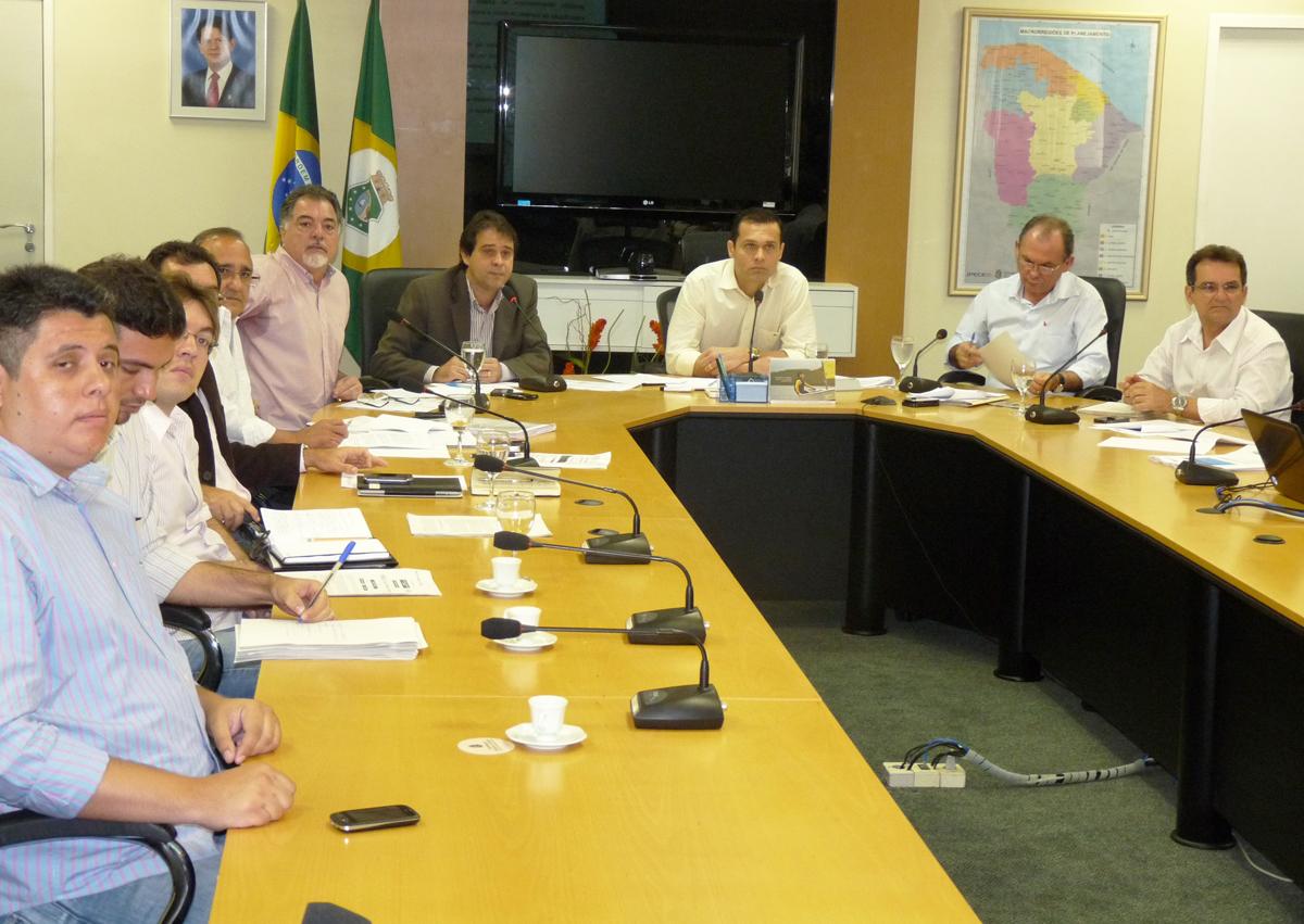 Secretários debatem ações de combate à pobreza