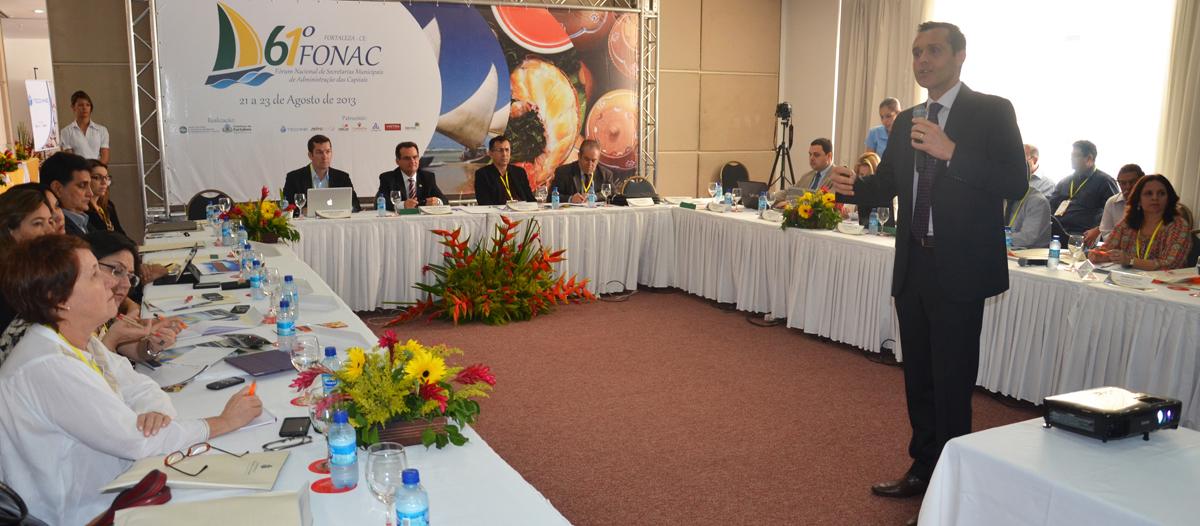 Consad participa do Fonac e inicia diálogo para aproximação
