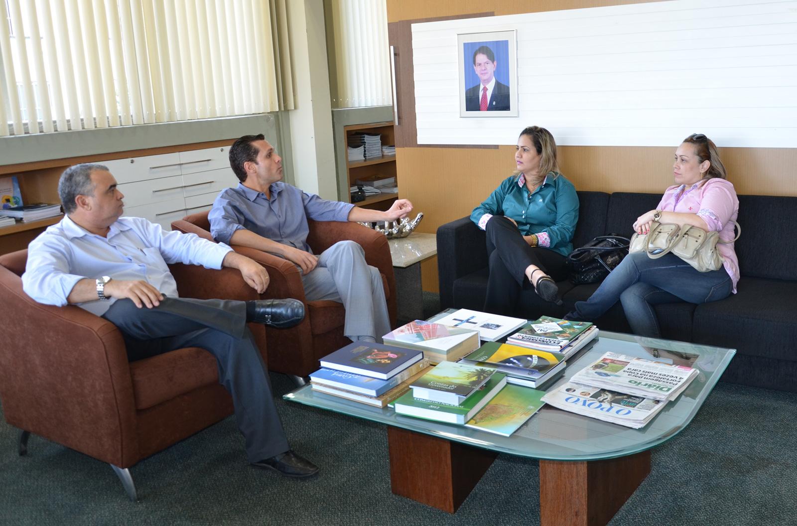 Reunião-Presidente-da-Aprece-Adriana-e-Sec-Executiva-Janine-4