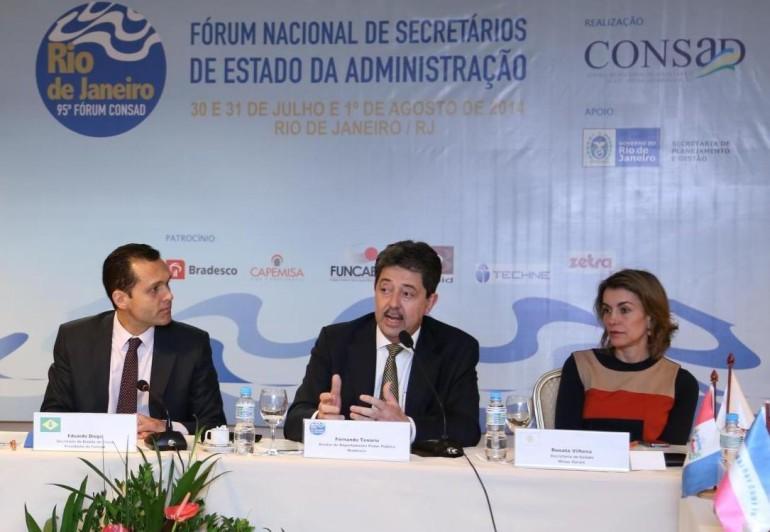 Presidente do Consad, Eduardo Diogo, diretor do Bradesco, Fernando Tenório, e Secretária da SEPLAG/MG, Renata Vilhena