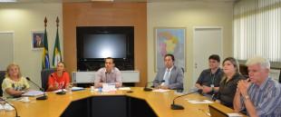 Rita Gomes e Eliene Uchoa, do FUASPEC, com o secretário Eduardo Diogo e coordenadores da SEPLAG