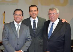 O novo Presidente da FIEC Beto Studart, Secretário do Planejamento e Gestão Eduardo Diogo e o Ex-Presidente da FIEC Roberto de Proença Macêdo