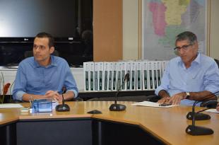 Secretário Eduardo Diogo e e o arquiteto José Hissa durante o recebimento dos laudos