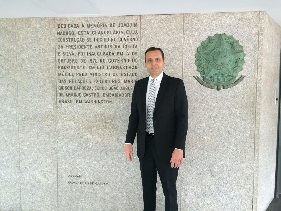 Foto 3. Entrada Principal da Embaixada do Brasil em Washington D.C.