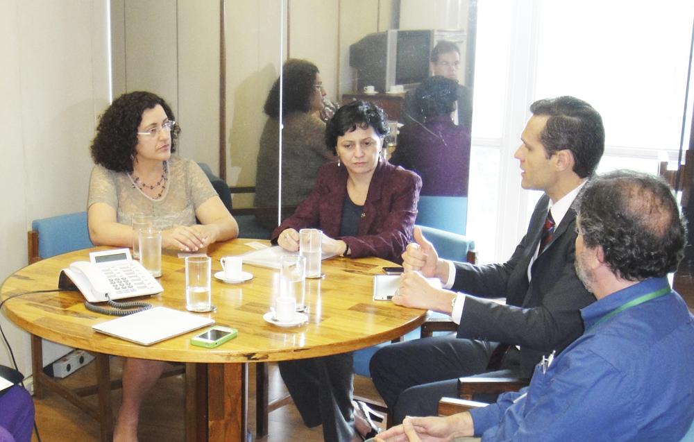 Secretário tem encontro com dirigentes do MPOG