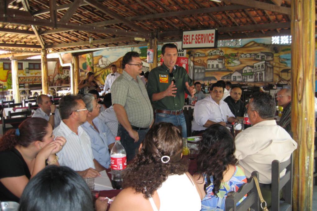 Reunião com o CDL de Maracanaú durante a Campanha Cid 40
