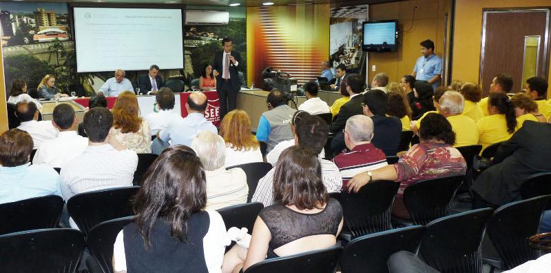 Secretário debate com servidores novo modelo de Previdência
