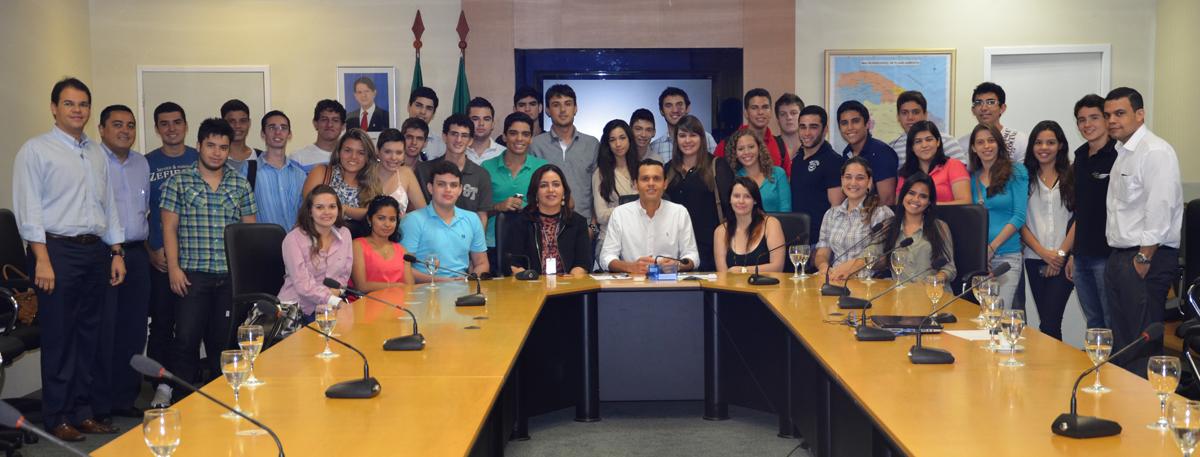 Secretário fala sobre gestão pública para alunos da Unifor