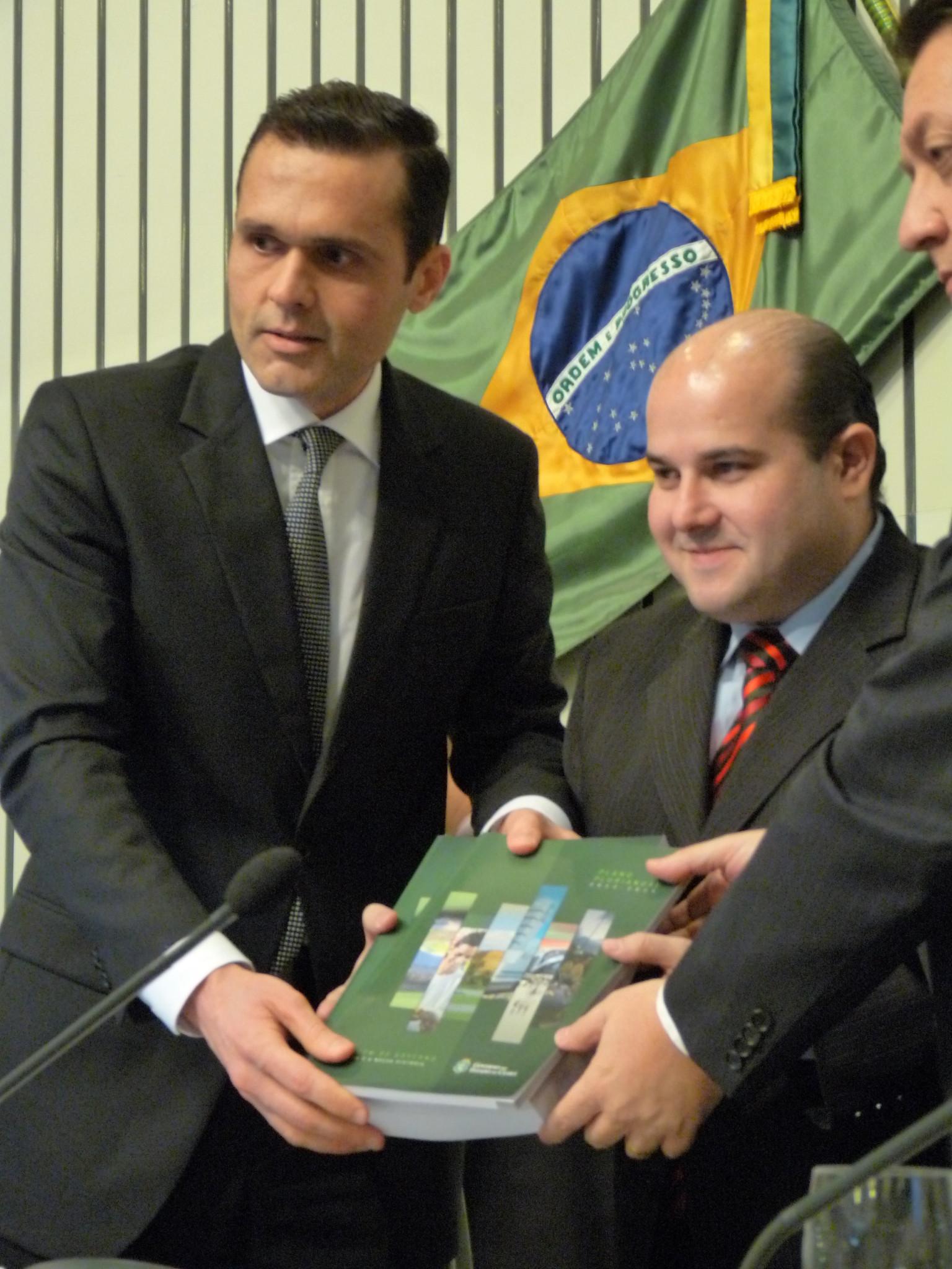 Governo apresenta PPA 2012/2015 para deputados