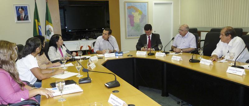 Secretário coordena primeira reunião da MENP deste ano