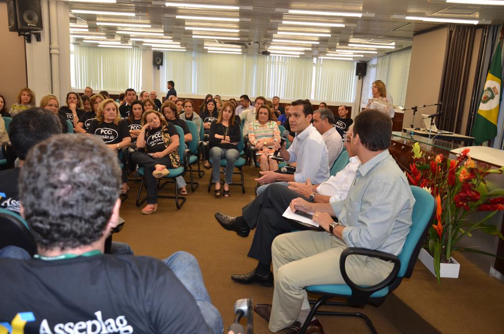 Direção da SEPLAG reúne servidores para diálogo