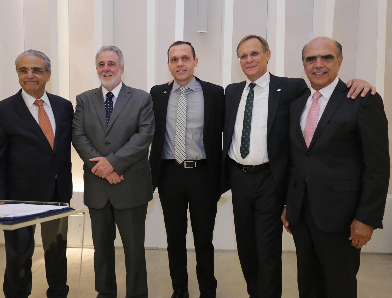 Sebrae e CNI assinam convênio para incentivar exportação