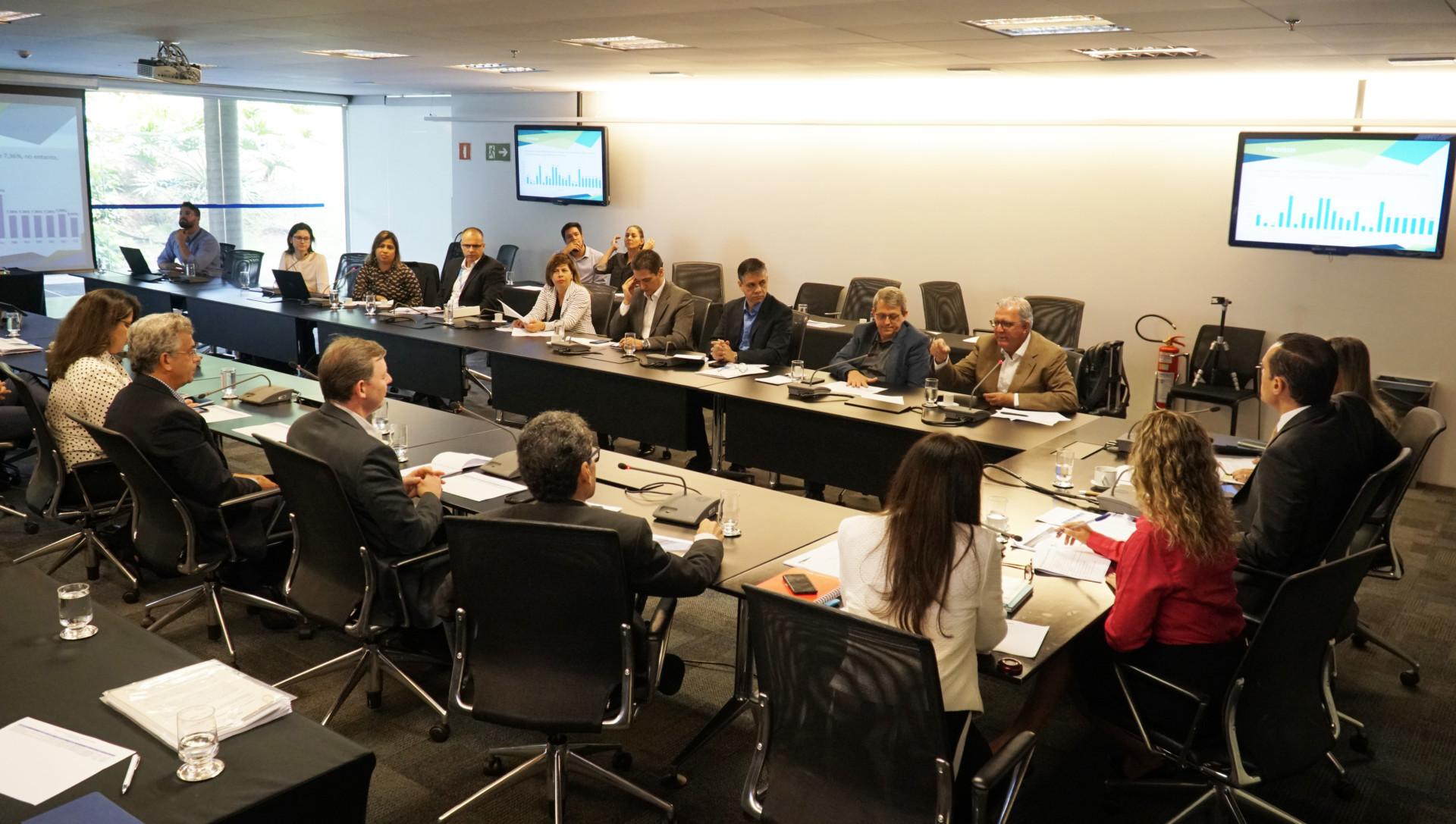 Reunião com o Comitê Gestor de análise do plano se saúde do Sistema Sebrae.